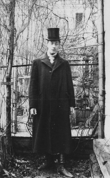 Гумилёв в Париже, 1906 год.