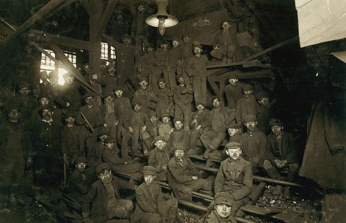 Жуткие фотографии о том, каким было детство в начале XX века.