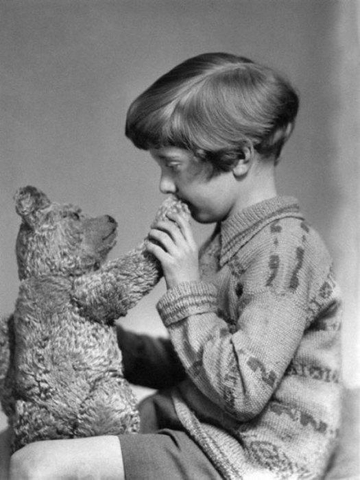 Винни-Пух и Кристофер Робин, 1927 год.