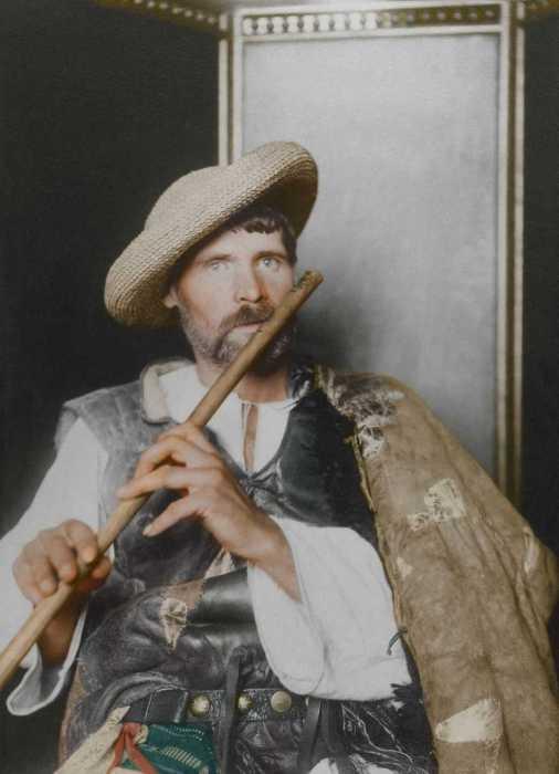 Румынский дудочник, эмигрировавший в Америку в 1910 году.