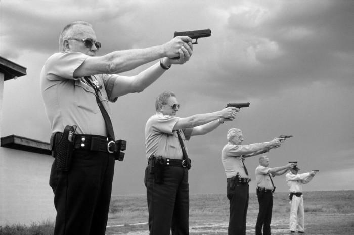 Учебные стрельбы из персонального стрелкового оружия.