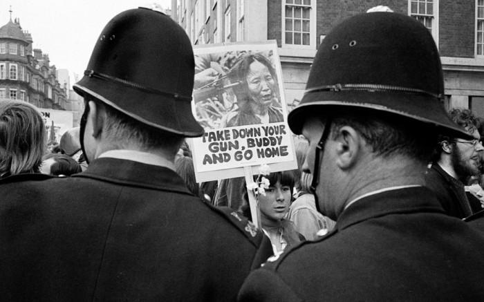 Акция протеста против Вьетнамской войны.