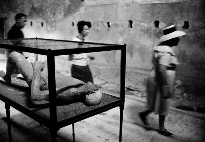 Окаменелые жертвы извержения Везувия. Италия, Помпеи, 1964 год.