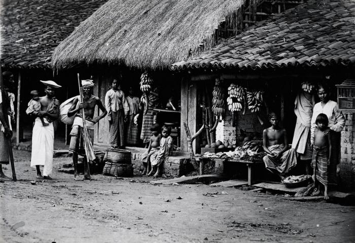 Старая деревня неподалёку города Канди.