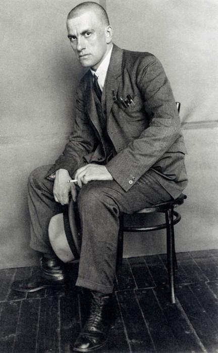 Одним из самых известных русских поэтов ХХ века.