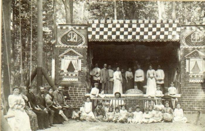 Сельский любительский театр в России в 1900 году.