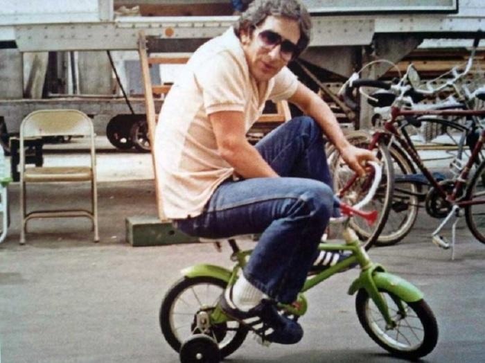Стивен Спилберг на съемках фильма «Полтергейст».