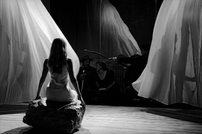 Пьеса А. П. Чехова, режиссера Филлиса Нади и Стивена Пимлотта. Фестивальный театр Чичестера, 2003 год.
