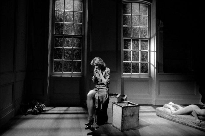 Австралийская актриса Кейт Бланшетт в пьесе Дэвида Хэйра «Изобилие». Великобритания, Лондон, Театр Альмейда, 1999 год.