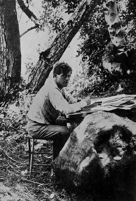 Джек Лондон вблизи ранчо в Глен-Эллене. Штат Калифорния, 1905 год.