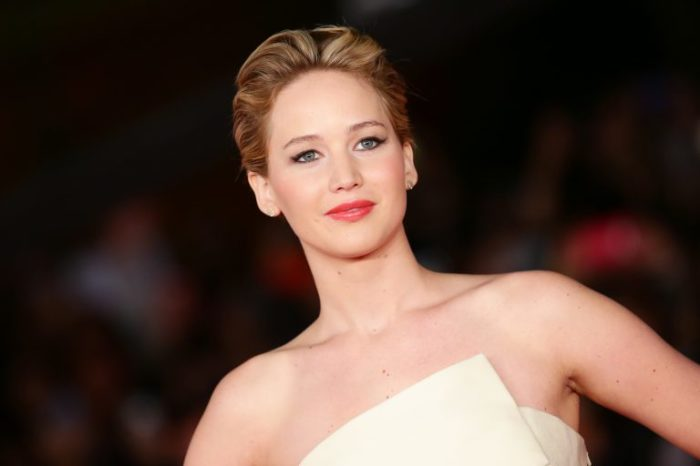 Портретная фотография титулованной американской актрисы.