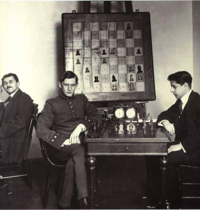 А.Алехин и Х.Р.Капабланка. Россия, Санкт-Петербург, 1914 год.