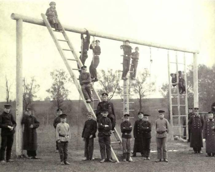 Учащиеся Касимовского технического училища. Россия, 1902 год.