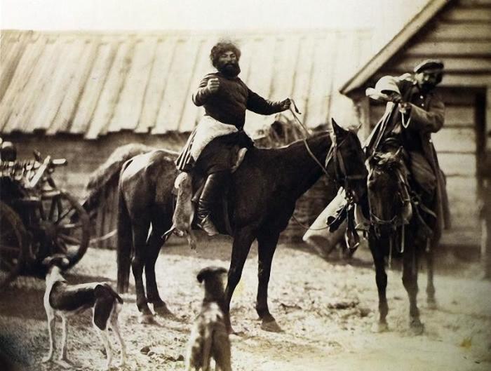 Донские казаки только что вернувшиеся с охоты, 1876 год.