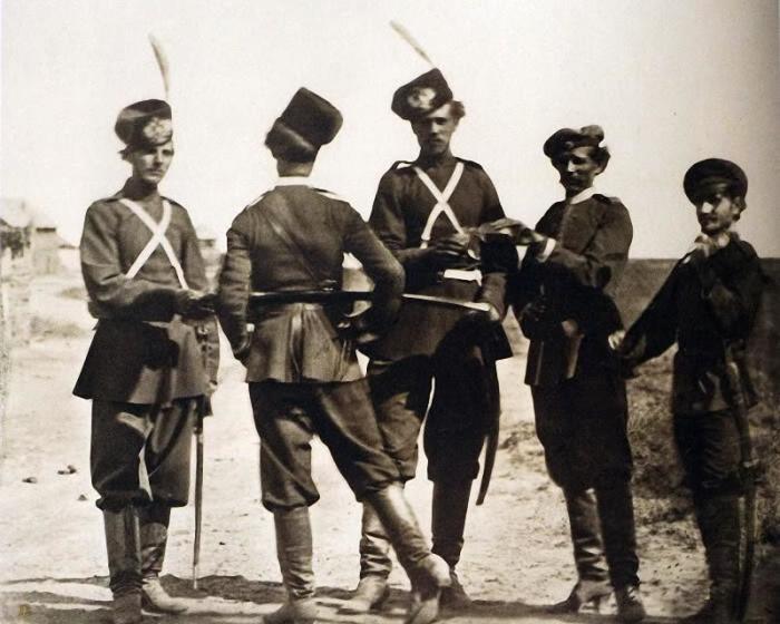 Казаки перед построением, 1875 год.