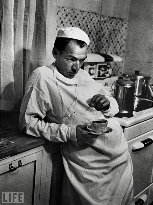 Сельский доктор Эрнест Сериани. Автор фотографии: Уильям Юджин Смит, 1948 год.
