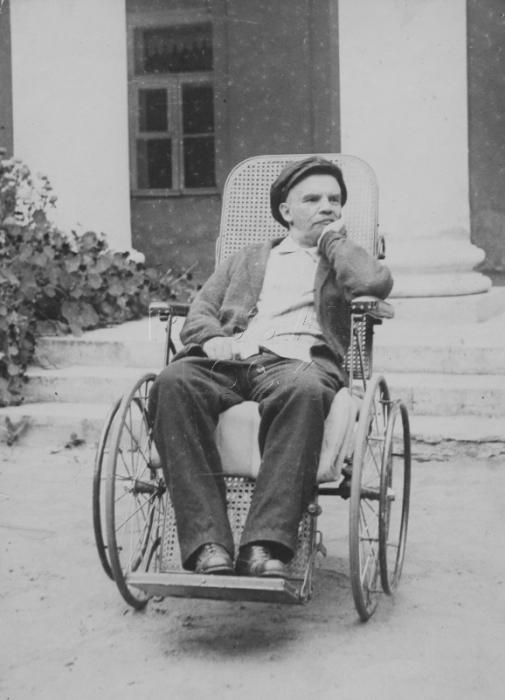 В. И. Ленин во время болезни. Подмосковные Горки, 1923 год.