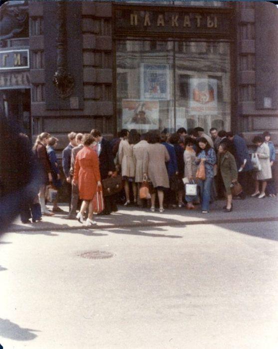 Книжный магазин на Невском проспекте. СССР, Ленинград, 1976 год.