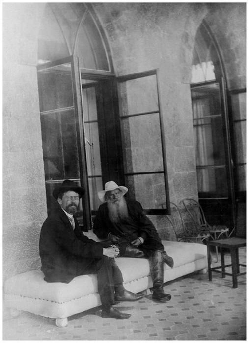 Лев Толстой и Антон Чехов в Гаспре, 12 сентября 1901 года.