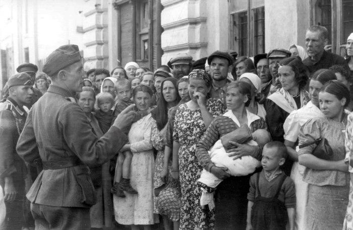 Фотография, сделанная немецким военным фотокорреспондентом в оккупированном Могилеве.
