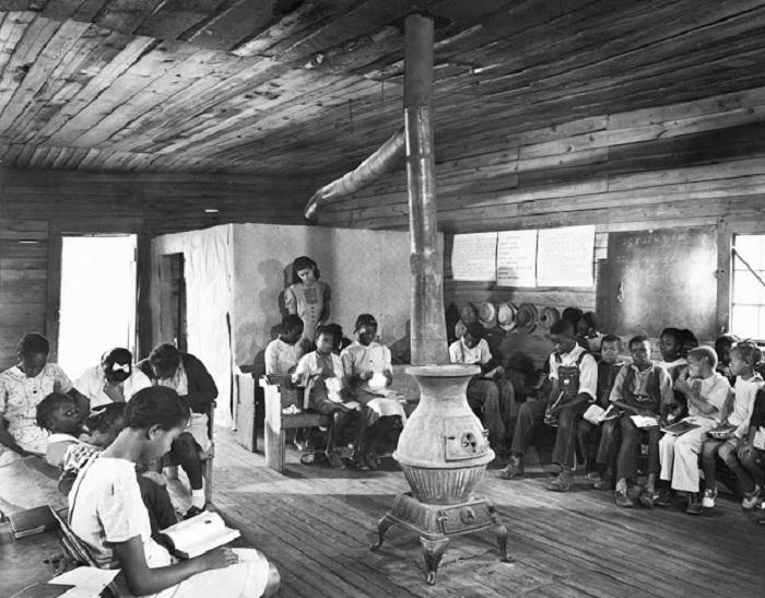 Отдельная группа учеников для афроамериканского населения.
