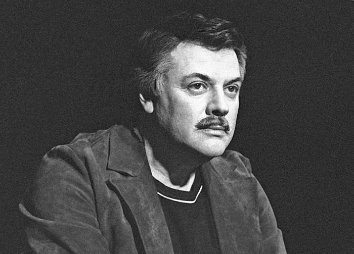 Талантливый советский актёр, театральный режиссёр и сценарист.