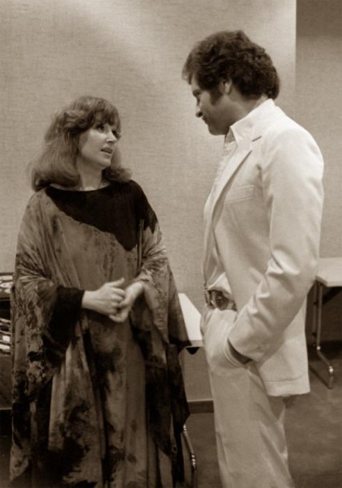 Известный французский певец и советская эстрадная певица в 1979 году.