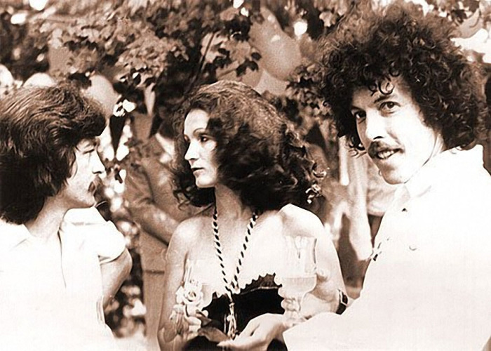 Участники рок-группы «Машина времени» и София Ротару на съемках кинофильма «Душа» в 1981 году.
