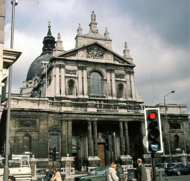 Церковь Непорочного Сердца Марии, которую обычно называют Бромптонским ораторием. Великобритания, Лондон, 1980-е годы.