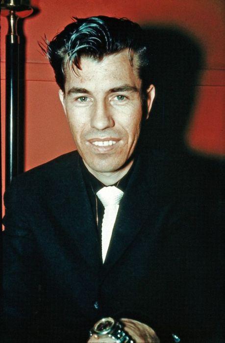 Влиятельный американский гитарист и композитор, который оказал огромное влияние на развитие гитарной музыки.