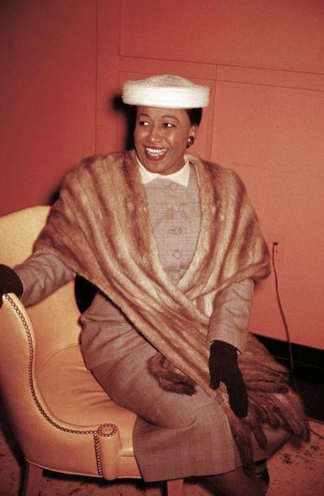 Афро-американское певица и пианист, которая получила известность в конце 1940-х и начале 1950-х годов.