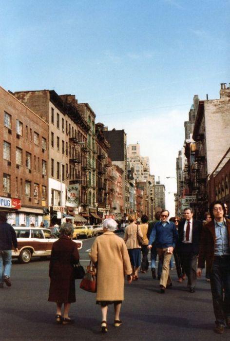 «Авеню Америки» - официальное название Шестой авеню с 1945 года.