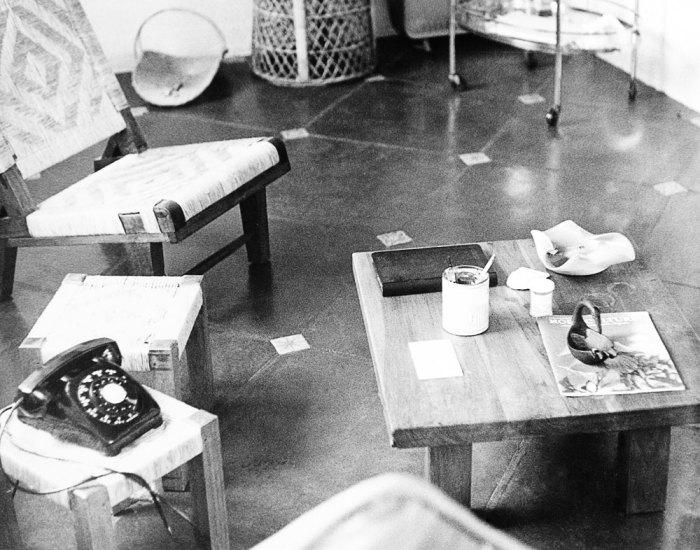 Фотография гостиной в доме актрисы, сделанная экспертами-криминалистами.