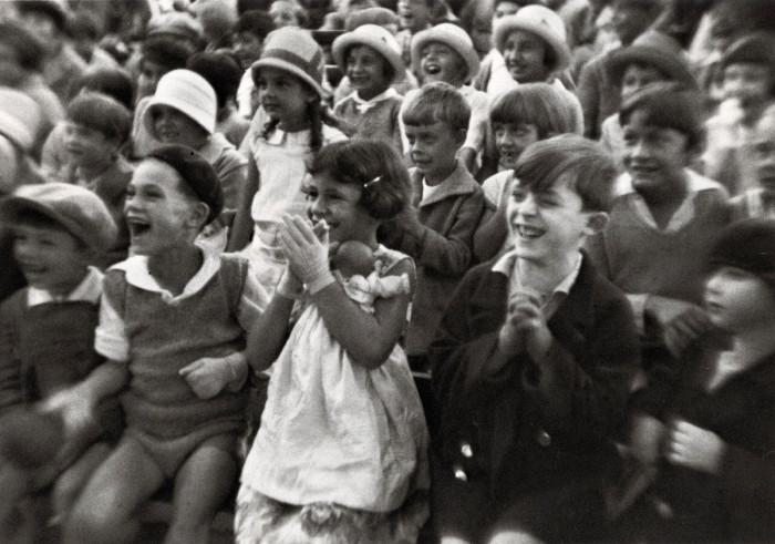 Праздничное мероприятие для детей в Люксембургском саду. Франция, Париж, 1928 год.