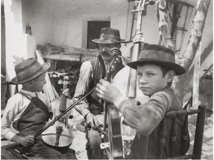 Репетиция школьного ансамбля. Венгрия, 1924 год.