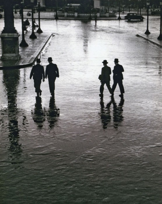 Сильный ливень в центре Парижа. Франция, 1928 год.