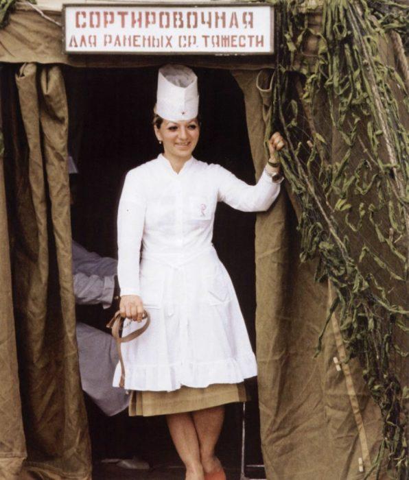 Медсестра полевого военного госпиталя.