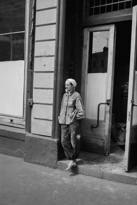 Минута отдыха во время работы. СССР, Москва, 1961 год.