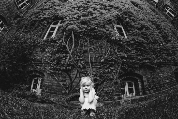 Победитель конкурса детской чёрно-белой фотографии B&W Child Photo Competition 2017.