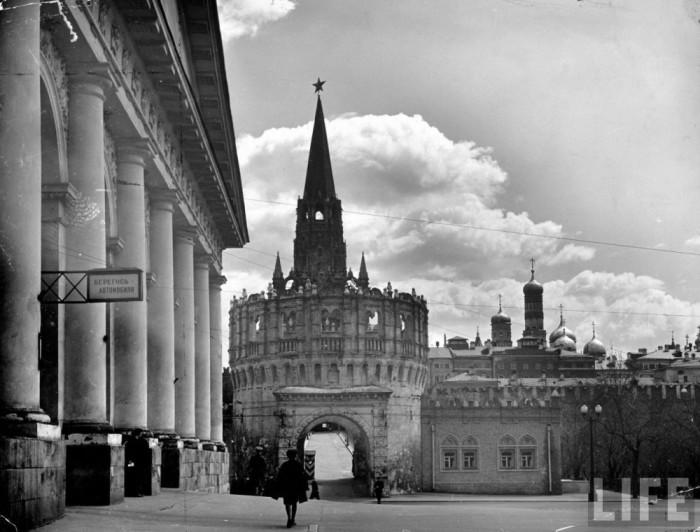 Памятник архитектуры. СССР, Москва, 1941 год.
