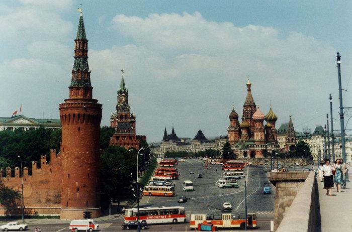 Вид на Красную площадь и Кремль в 1985 году.