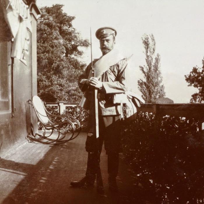 Государь Император Николай II в новой полевой форме.