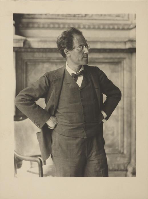 Австрийский оперный и симфонический дирижёр.