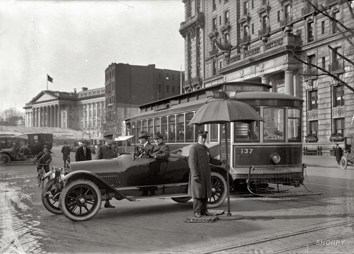 Регулировщик движения. США, Вашингтон, 1913 год.