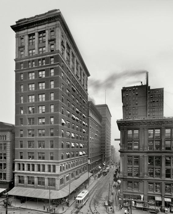 Улица в центре города. США, Цинциннати, 1910 год.