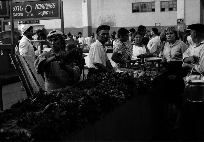 Торговля на рынке. СССР, Тбилиси, 1963 год.