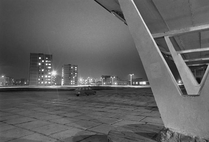 «Треугольная» застройка предполагала также визуальный простор и большие свободные пространства между зданиями. Кроме того, увеличение свободного городского пространства достигалось также равноугольным расположением улиц и проспектов.