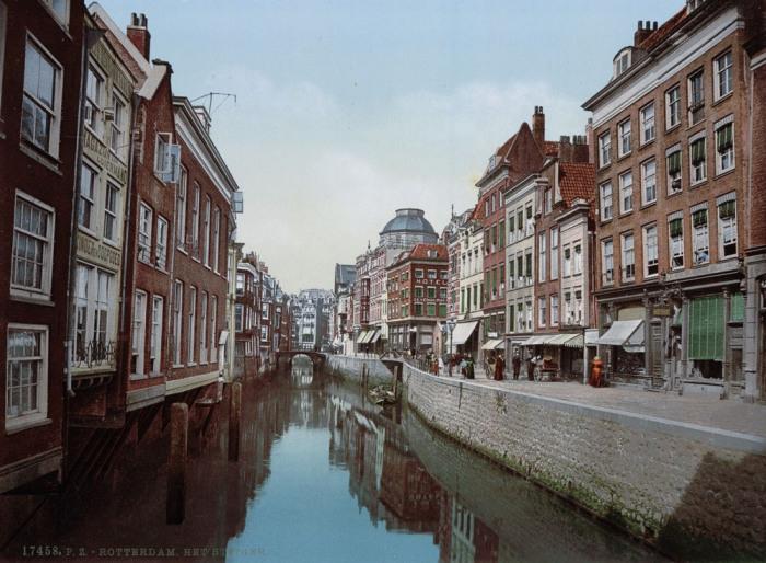 Канал в Роттердаме.