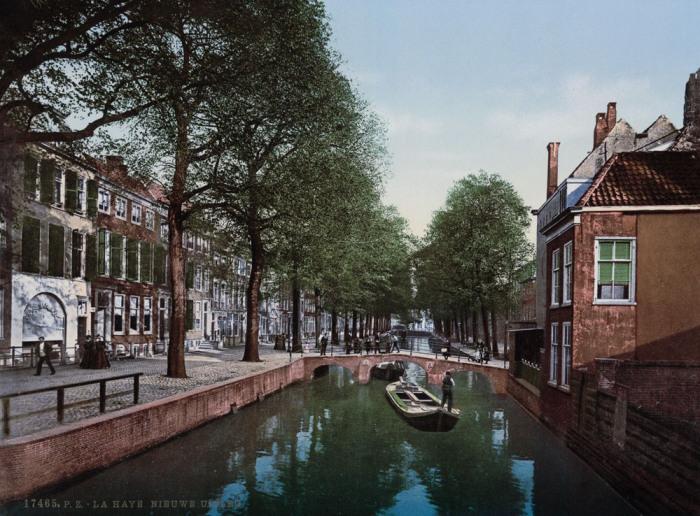 Канал в городе Гаага.