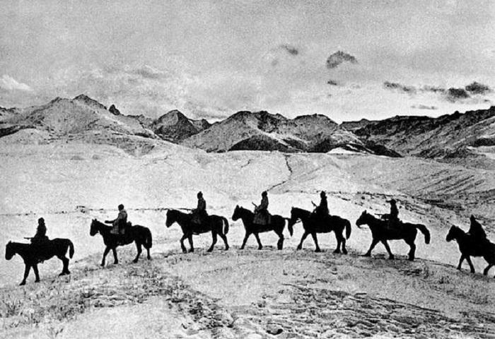 Военно-полевая конная команда из 12 человек для охраны, связи и частично проведения разведывательных мероприятий.